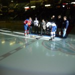 Chief Perry Bellegarde dropping the puck / Le Chef Perry Bellegarde jettant le palet